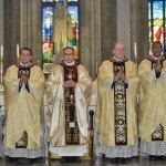 Bispo da Diocese de Petrópolis ordena cinco novos padres