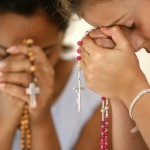Comidi divulga folheto de domingo para Oração Mariana em Família